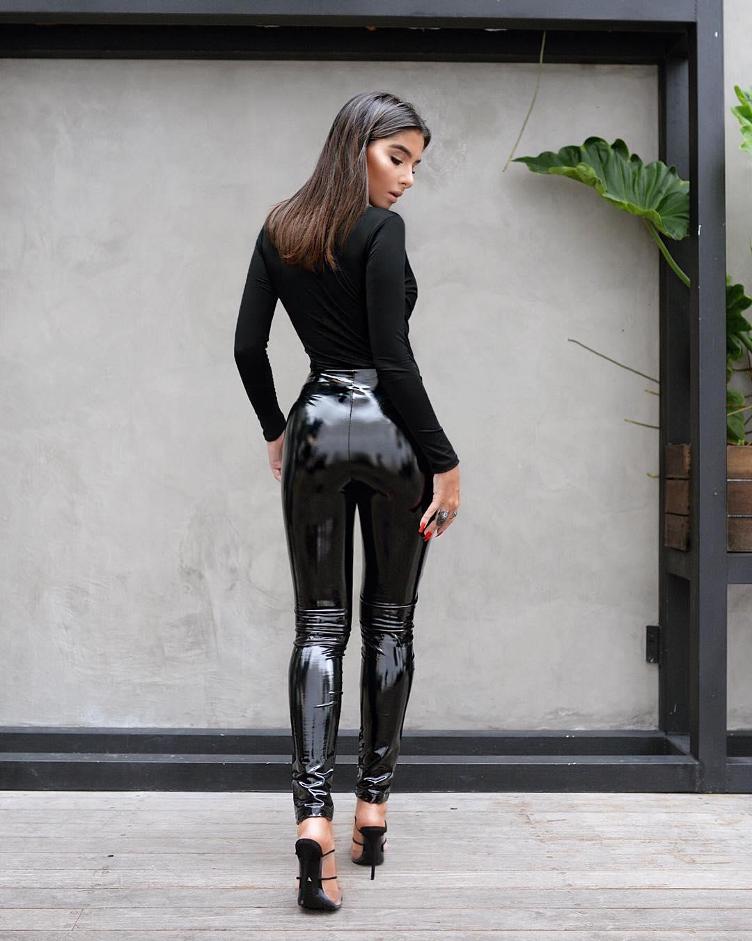 Jennifer-Auada-Wallpapers-Insta-Fit-Bio-16