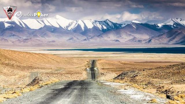 5 Alasan Mengapa Wajib Berwisata ke Asia Tengah