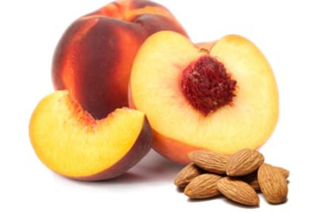 миндаль и персик