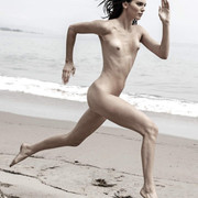KENDALL-JENNER-NUDE-FULL-FRONTAL-SHOW-002