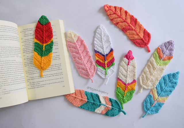 Crocheted feather... somethings! Maybe bookmarks?.png