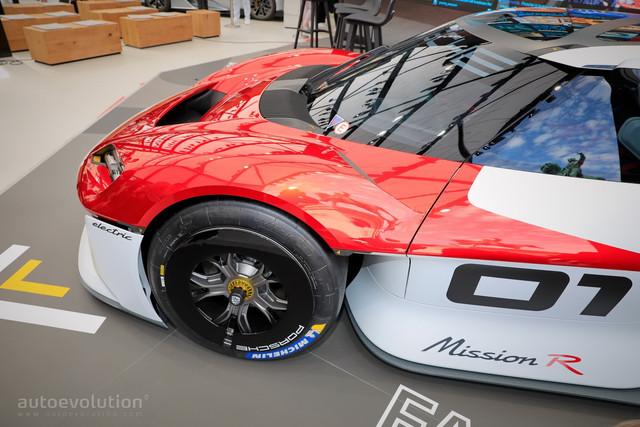 2021 - [Porsche] Mission R - Page 2 99756869-0939-402-E-81-CE-296-FBEAC8-BC4