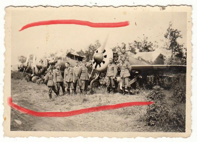 Foto-Soldat-Einsatz-Kampf-Beute-Flugzeug-Plane-Aufkl-rer