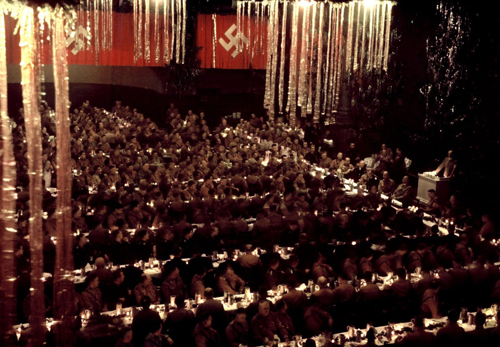 Color photos of Hugo Jaeger. New Year's party of the Nazis in Munich. Photos from Life Magazine