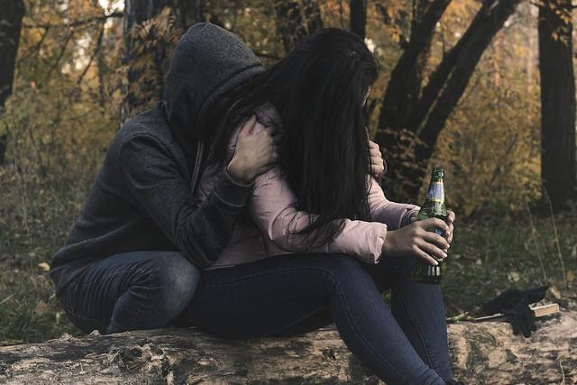 female-alcoholism-2847443-1280