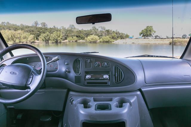 2002-Ford-E350-17