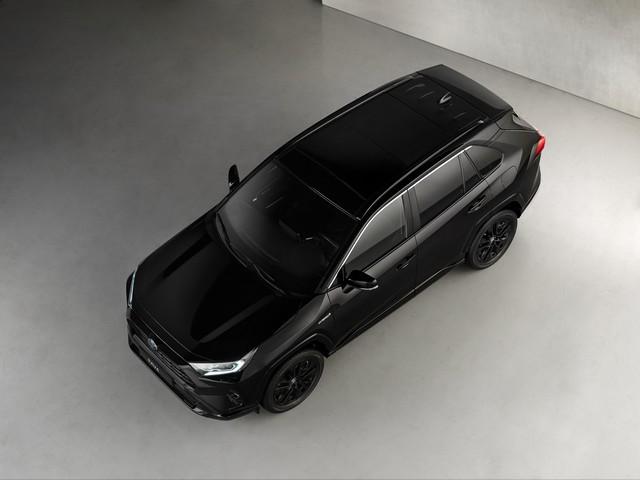 Toyota RAV4 Hybride, une nouvelle finition Black Edition Rav4topshot