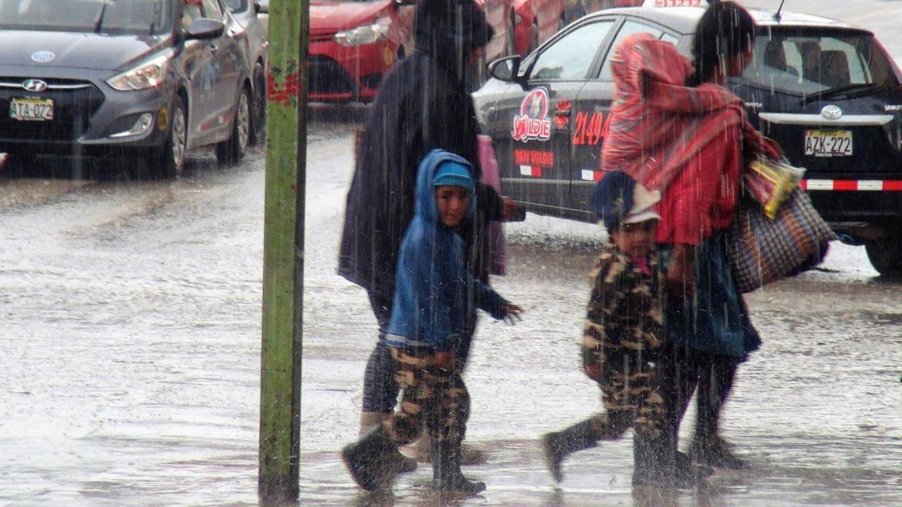 Senamhi prevé lluvias, granizo y nevadas en la sierra del país