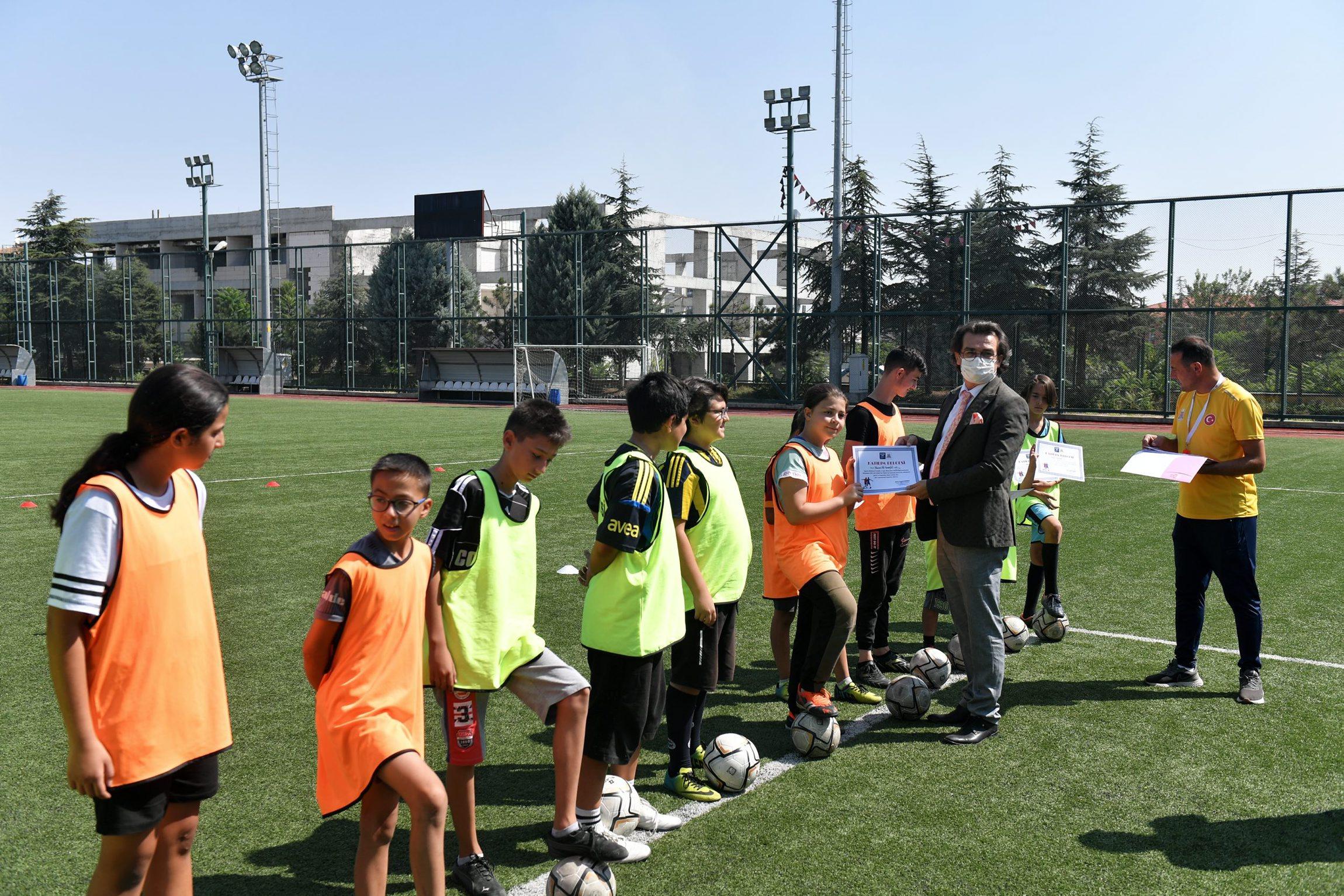 27-08-2021-futbol-yaz-okulu-6