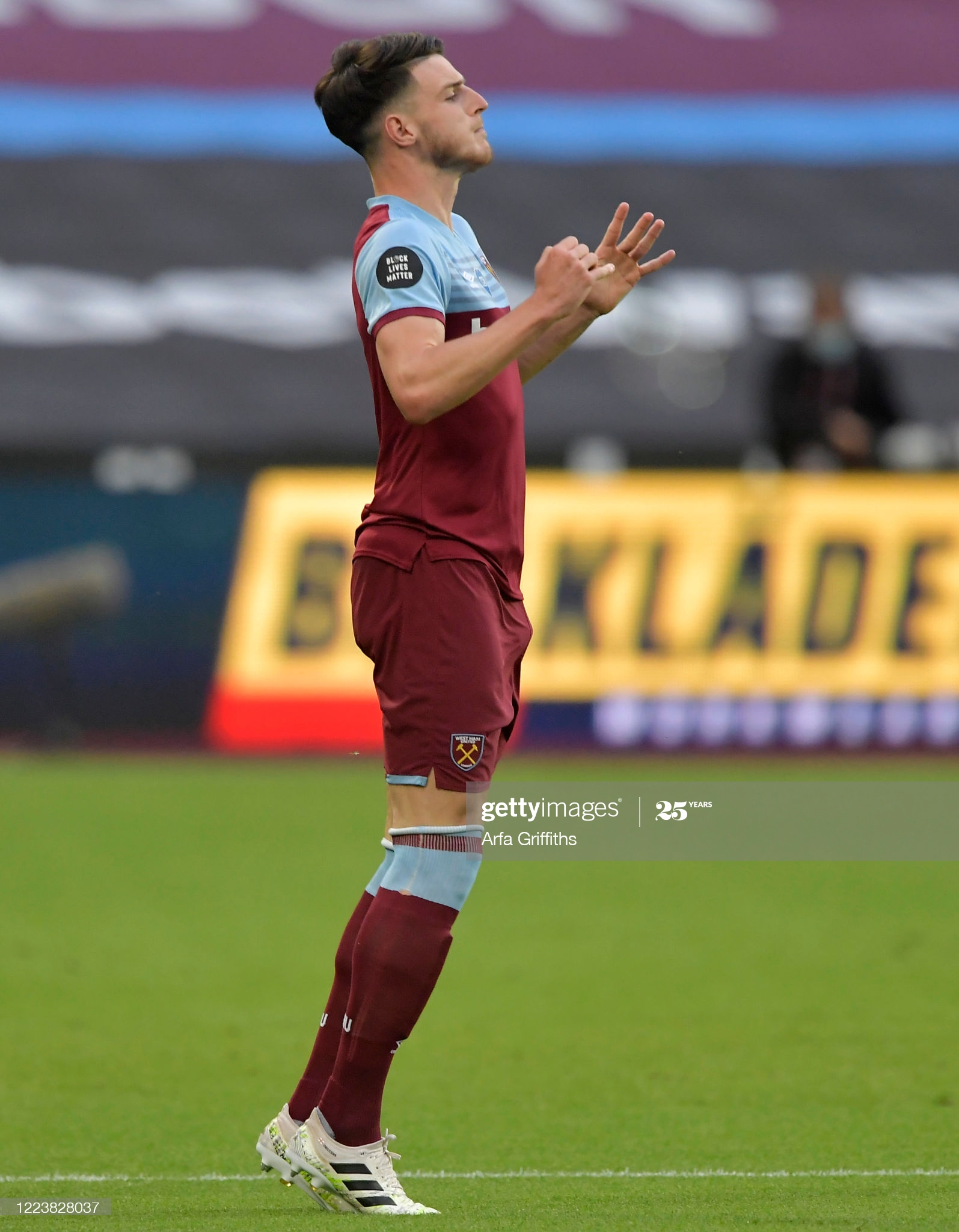 [Image: LONDON-ENGLAND-JULY-01-Declan-Rice-of-We...to-the.jpg]