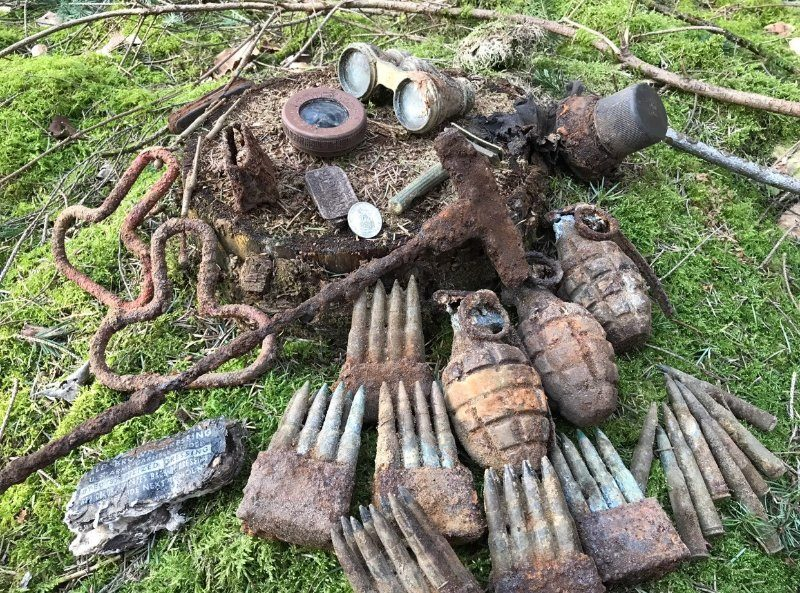Grenades and ammunition found in the box
