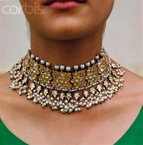 [Image: Kundan-necklace-f2b1155a2e48b776ea5bf72d...ellery.jpg]