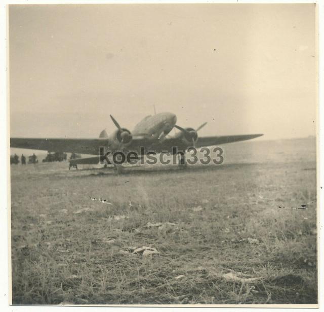 1-Foto-sowjetisches-Flugzeug-an-der-Ostfront-Wehrmacht-Beut