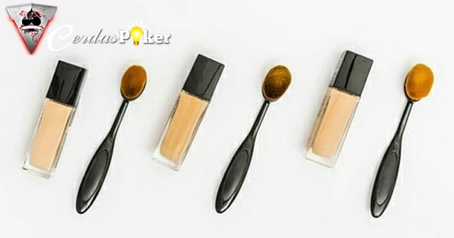 Agar Hasil Makeup Sempurna, Ini 5 Cara Tepat Menggunakan Concealer