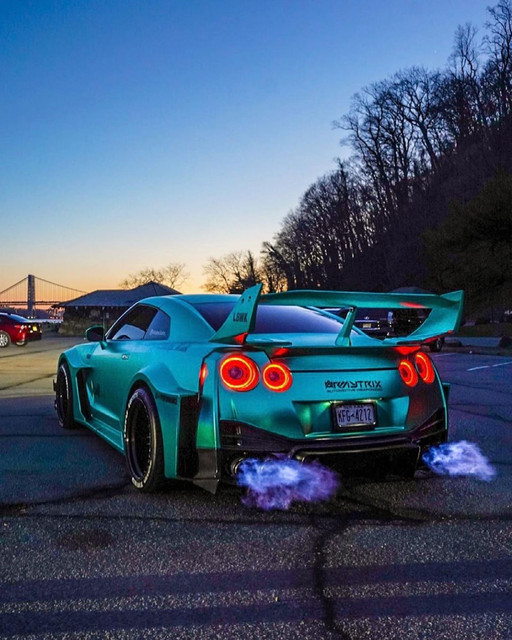 nissan-gtr-r35-flame-armytrix-exhaust.jp