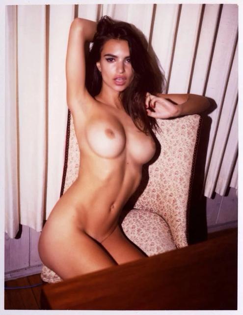 got-to-see-nude-emily-ratajkowski-leaked-pics-27