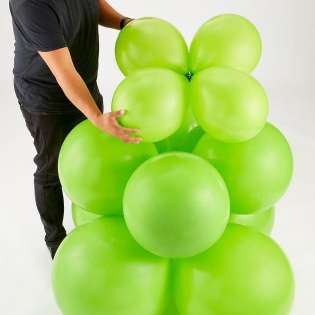 новогоднее украшение из воздушных шаров своими руками