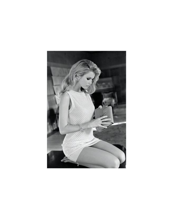 Новая книга Клаудии Шиффер Claudia Schiffer  с фотографиями юности 25