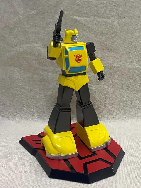 Pop-Culture-Shock-9-inch-G1-Bumblebee-2