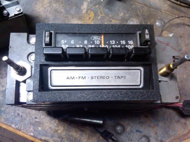 [Image: Ford-70s-AMFM-8-Track-Radio-a.jpg]