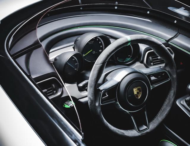 [Actualité] Porsche  - Page 9 70-AA4-DDC-D4-DF-4-F84-B980-96-B0-BDC2-F35-E