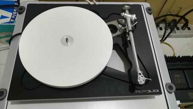 Rega RP 10 Turntable with Apheta 2 MC Cartridge & RP10 PSU 6