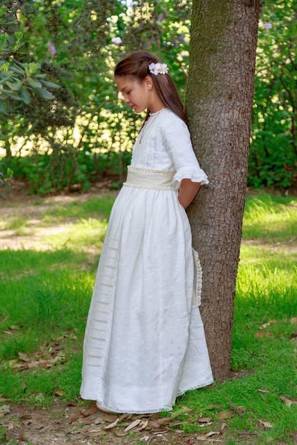vestidos-de-comunion-especiales-leonor-sofia-768x1152