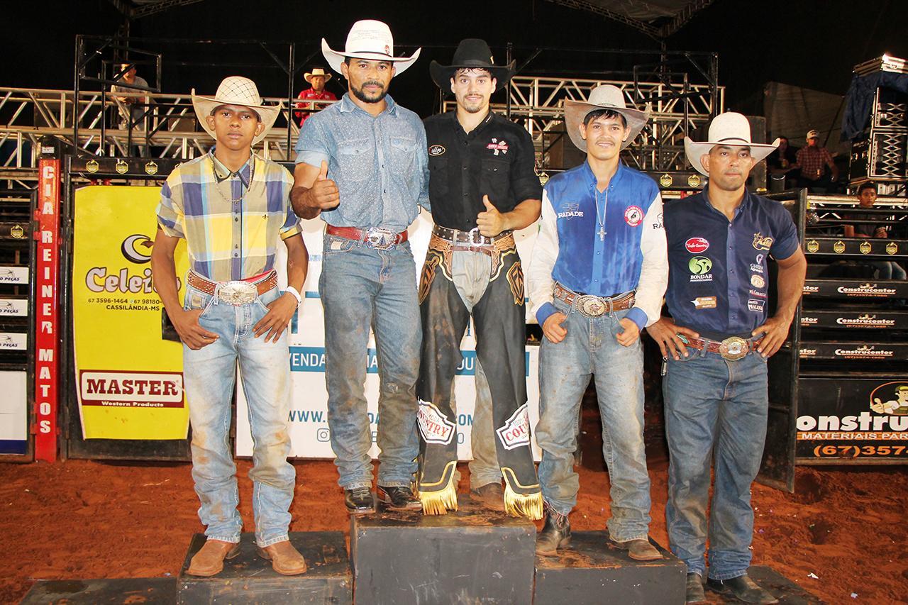Ganhadores do Rodeio em Touro