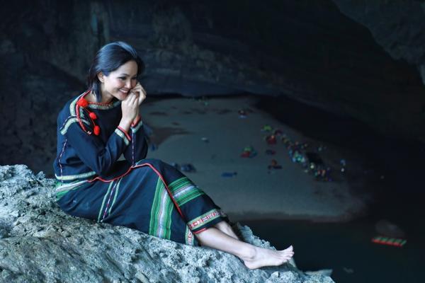Hoa-hau-HHen-Nie-Trang-phuc-Ede-6-1600x1200.jpg