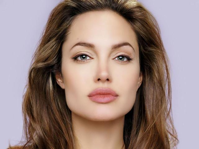 As 10 celebridades que não tem redes sociais! Angelina Jolie