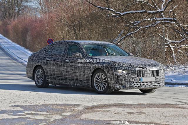 2022 - [BMW] i7 9-C4-D7666-F007-4-FDD-AA00-49-A033-E1-DCF1