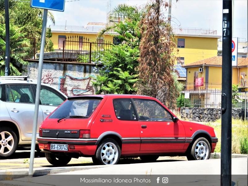 avvistamenti auto storiche - Pagina 30 Peugeot-205-GTI-1-9-120cv-039-92-BSE30743-1