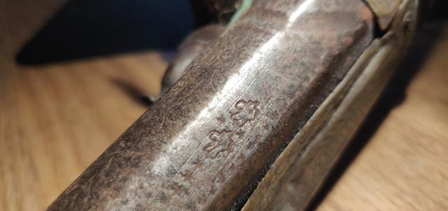 Une idée ? Ancien pistolet silex IMG-20191228-234331