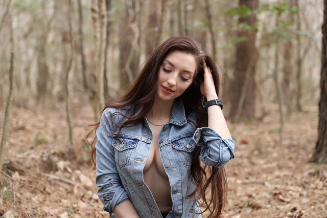 abbyopel-16-03-2021-2056237558-Time-for-a-little-walk-in-the-woods-Only-Leaks2-on-TG
