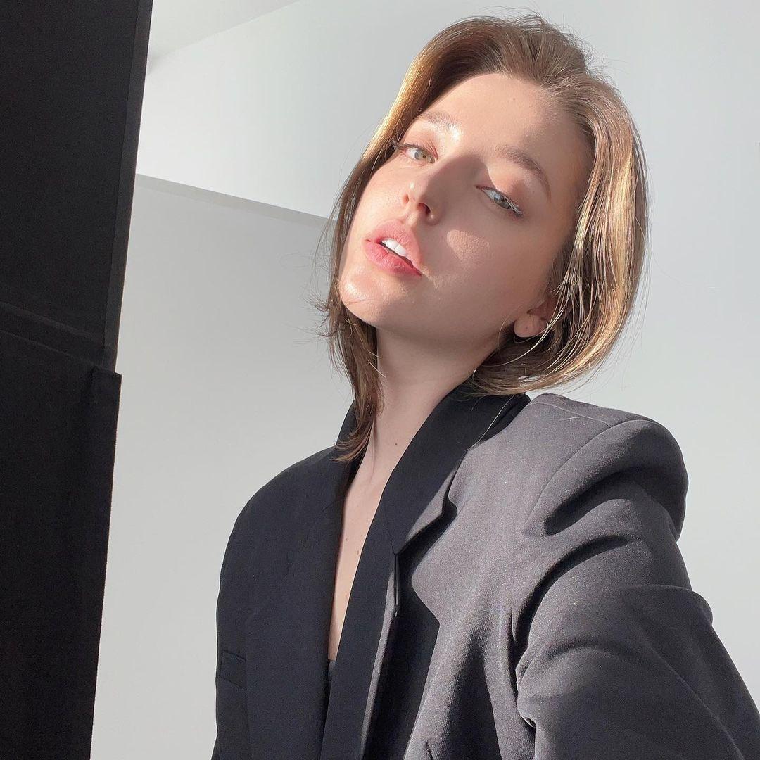 Angelina-Danilova-Wallpapers-Insta-Fit-Bio-13