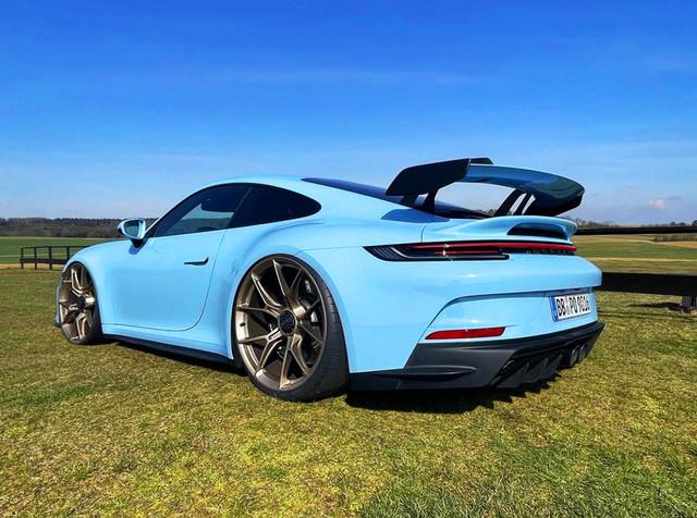 00-Dr-Knauf-Slammed-Altered-Porsche-992-GT3-Gulf-Blue-2021