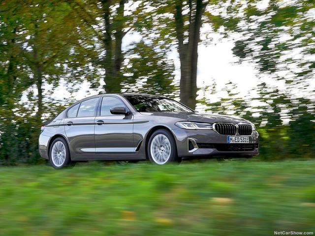 2020 - [BMW] Série 5 restylée [G30] - Page 11 CF550-CC7-55-A0-4-B12-A125-D834930643-A3