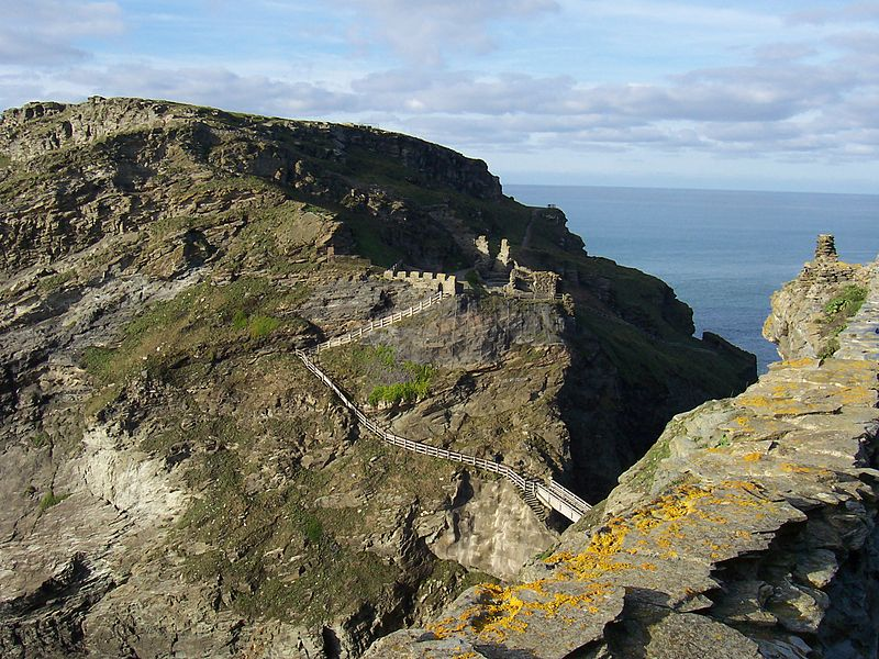 800px-Remainsof-Tintagel