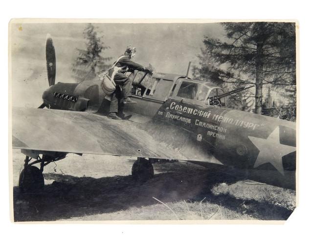2-1943