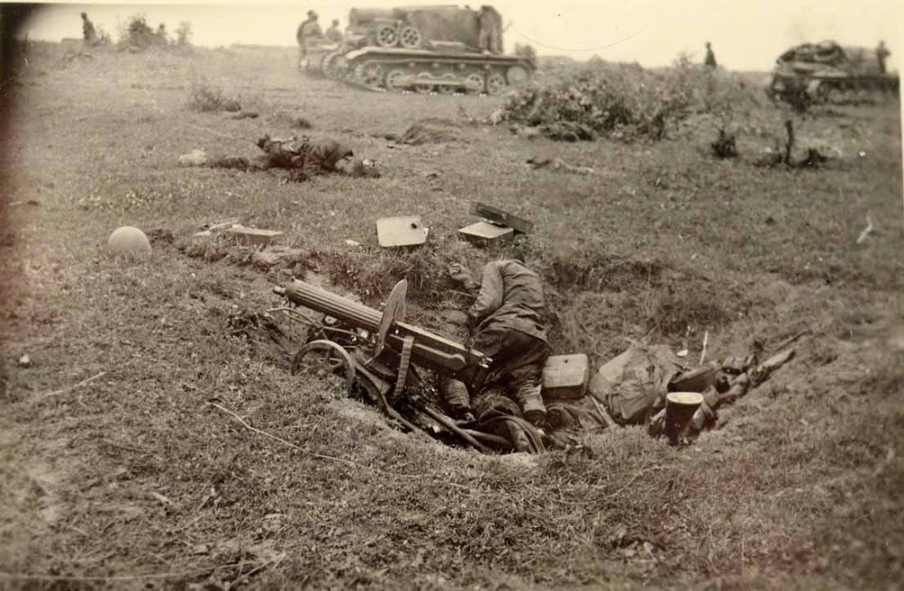 Red Army machine gunners killed in battle.