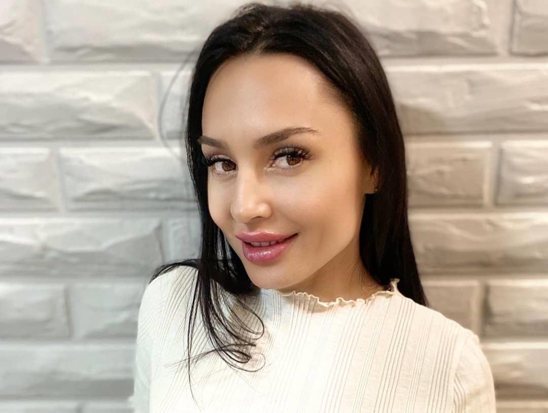 Demidova-Helenka-Wallpapers-Insta-Fit-Bio-13