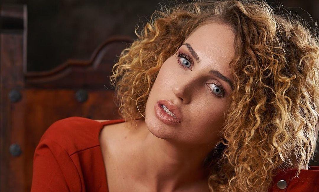 Megan-Skye-Blancada-Wallpapers-Insta-Fit-Bio-8