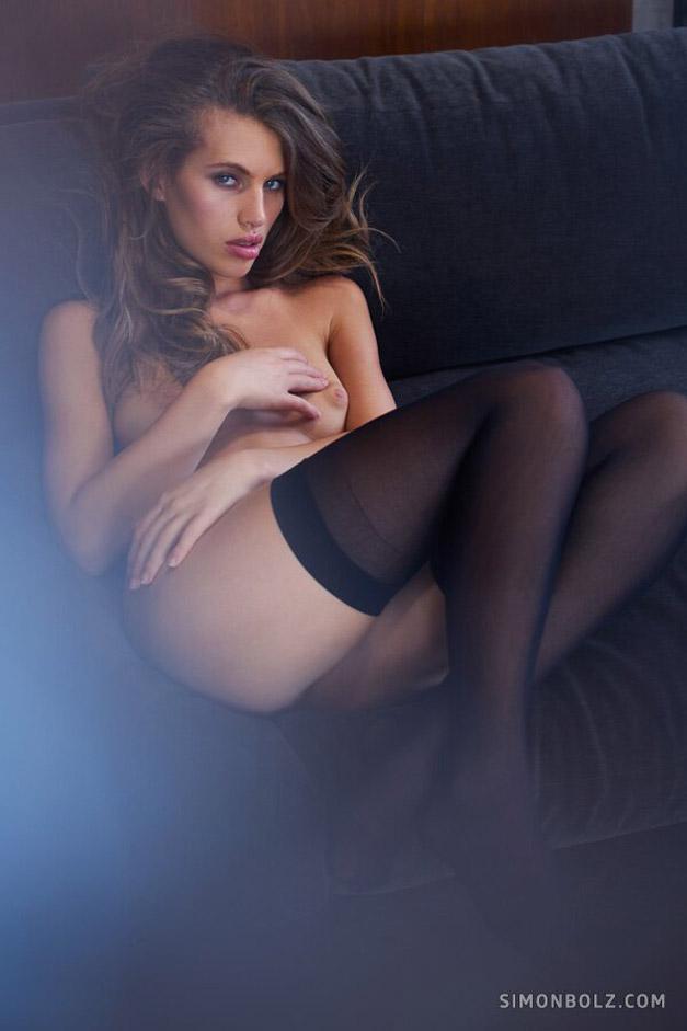 Катя - муза эротического фотографа / фото 14