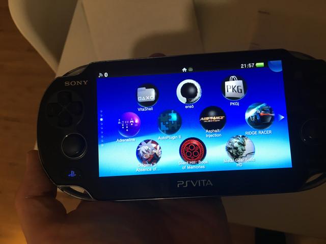 [Vendu] PS Vita Wifi enso sd2vita 128Go en boîte 80€ DDD10-E6-A-B6-DD-430-E-89-B2-9-E96-E402-D32-E