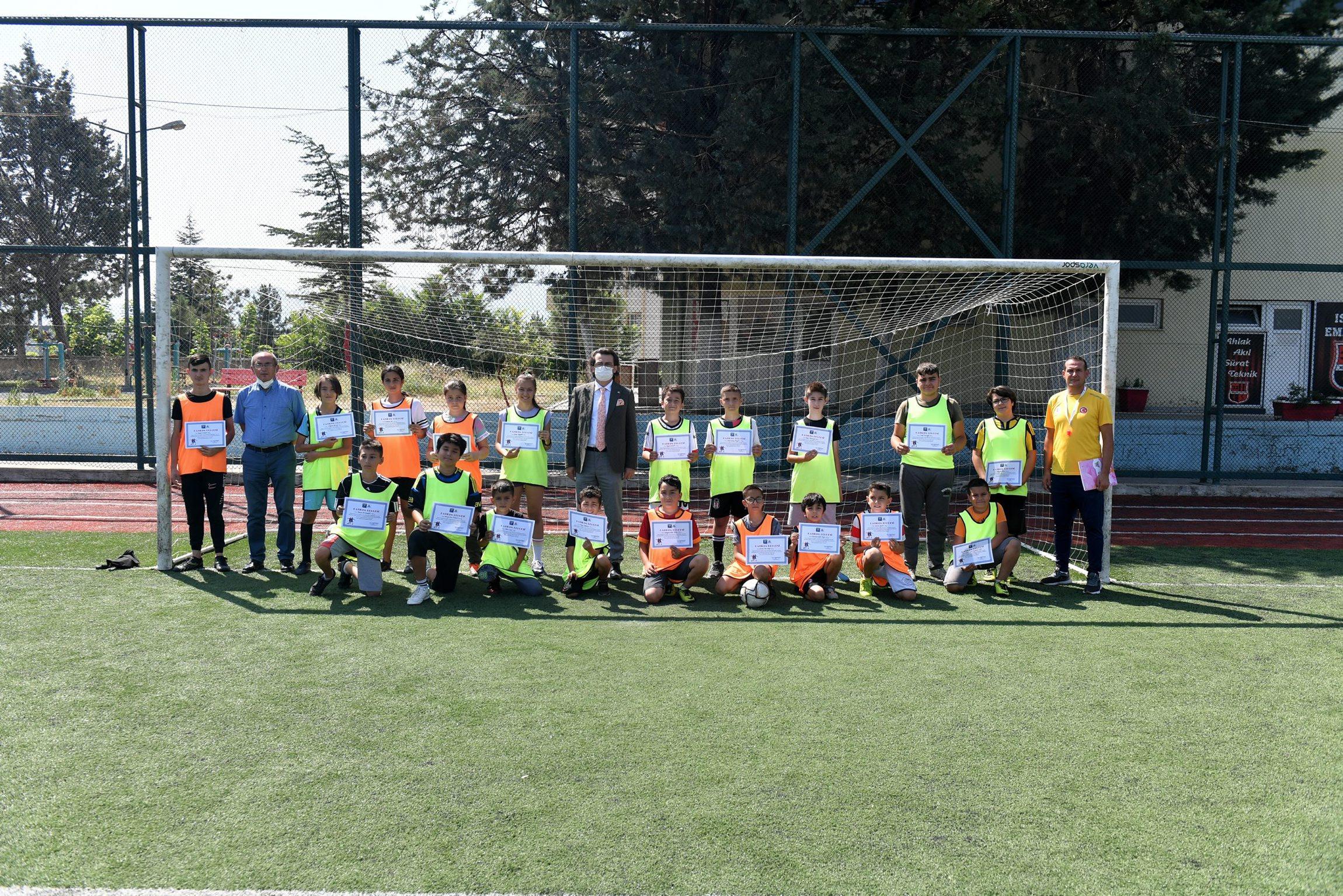 27-08-2021-futbol-yaz-okulu-2