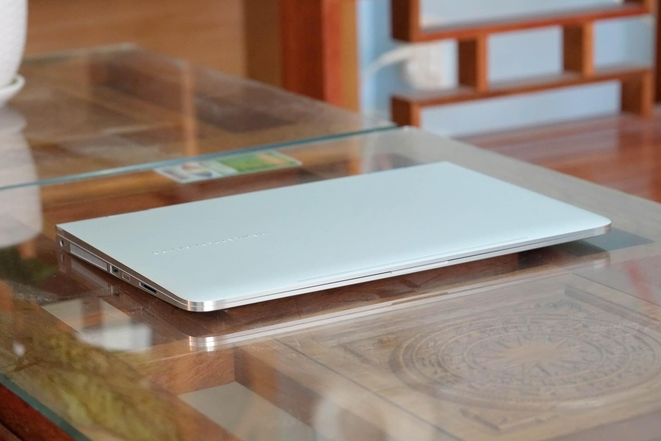 HP Spectre X360 i5 6200u / 8GB / 256GB / 13.3-inch FHD Touch / New 99%