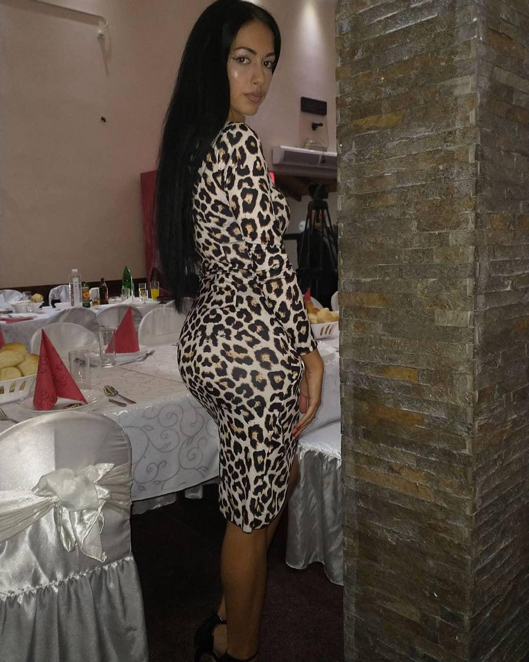 Tatjana-Joksovic-Wallpapers-Insta-Fit-Bio-5