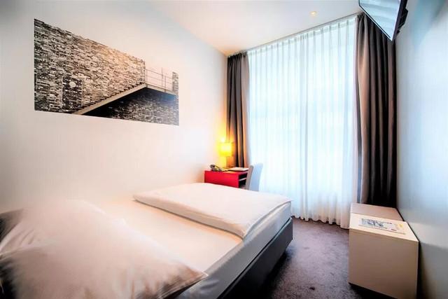 Habitación Select Hotel Berlín Gendarmenmarkt Medio Maratón Berlín Travelmarathon.es