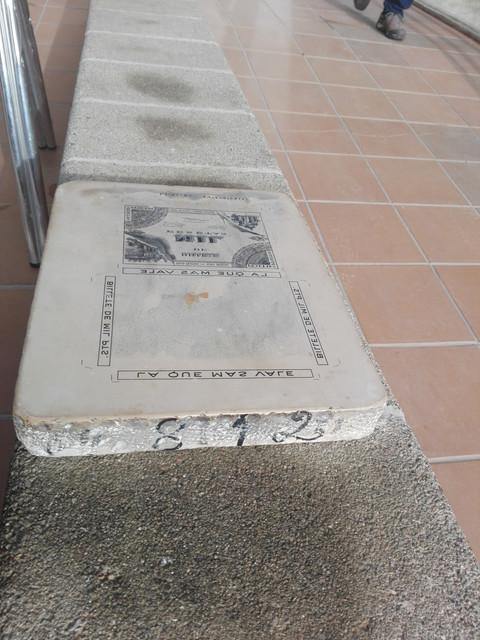 Piedra litográfica con diseño de billete publicitario IMG-20210221-100300