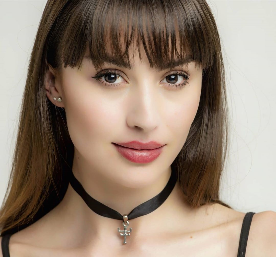 Claudia-Arce-Wallpapers-Insta-Fit-Bio-8